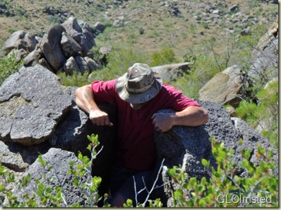 03 Mike in boulders Weaver Mts Yarnell AZ (800x592)