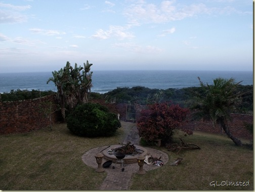 02 Indian Ocean & firepit in backyard of Bob & Lesely CSers Gonubie Eastern Cape ZA (1024x768)