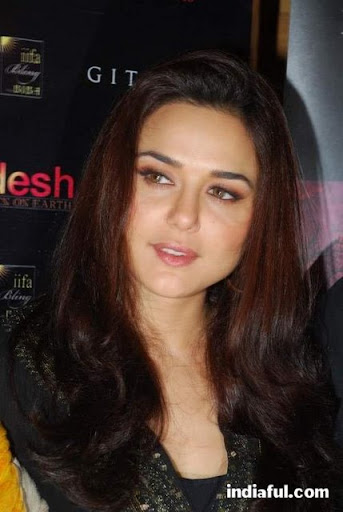 preity zinta kiss. Preitysexy preity hollywood celebrity photosAnushka sharma kiss salaam