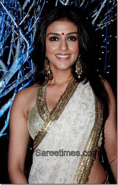 aarti chabria in white embroidery sari sareetimes