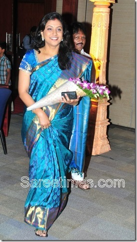 Roja_Blue_Designer_Saree[4]