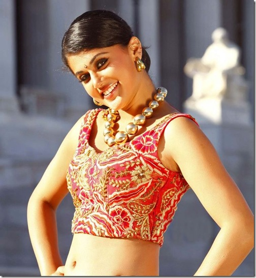 Tapsee_Embroidery_Blouse
