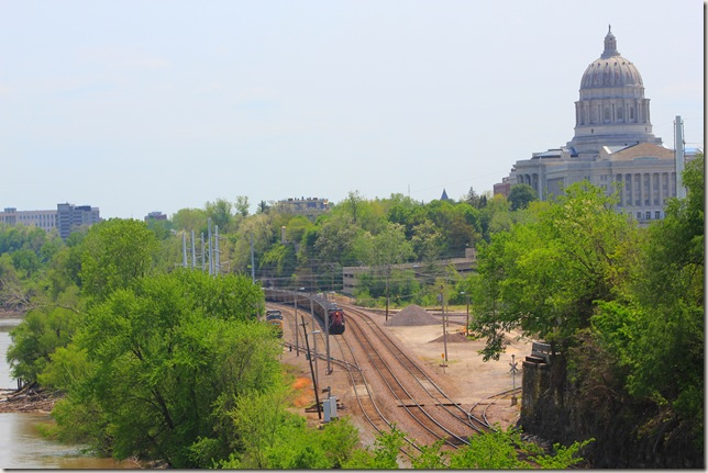 view of the Capitol Bldg. and train tracks