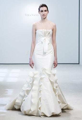 vera-wang-white-mermaid-fall-wedding-dresses-4