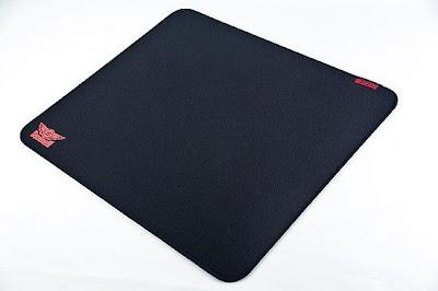 ZOWIE GEAR 發表與SpawN合作產品 – TF系列滑鼠墊