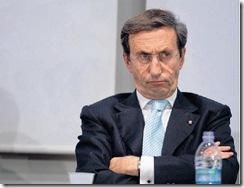GIANFRANCO FINI ARRABBIATO