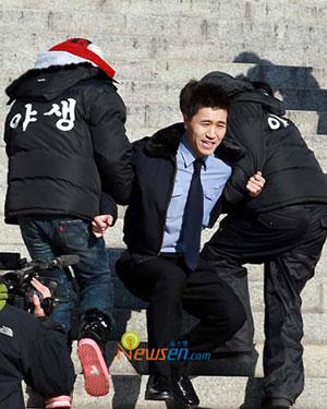 Kim Jong Min และ Jang Woo Hyuk ปลดประจำการแล้ววันนี้