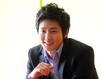 Lee Jung Jin จะรับบทประชันกับ Rain ในละครเรื่อง Fugitive