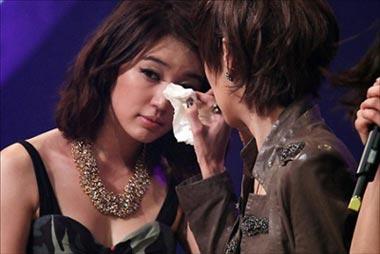"Yoon EunHye หยุดกิจกรรมกับ Baby V.O.X เพื่อภาพพจน์นักแสดง"""