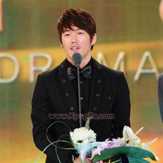 Jang Hyuk คว้าแดซางในงาน Drama Awards ของสถานี KBS ปี 2010