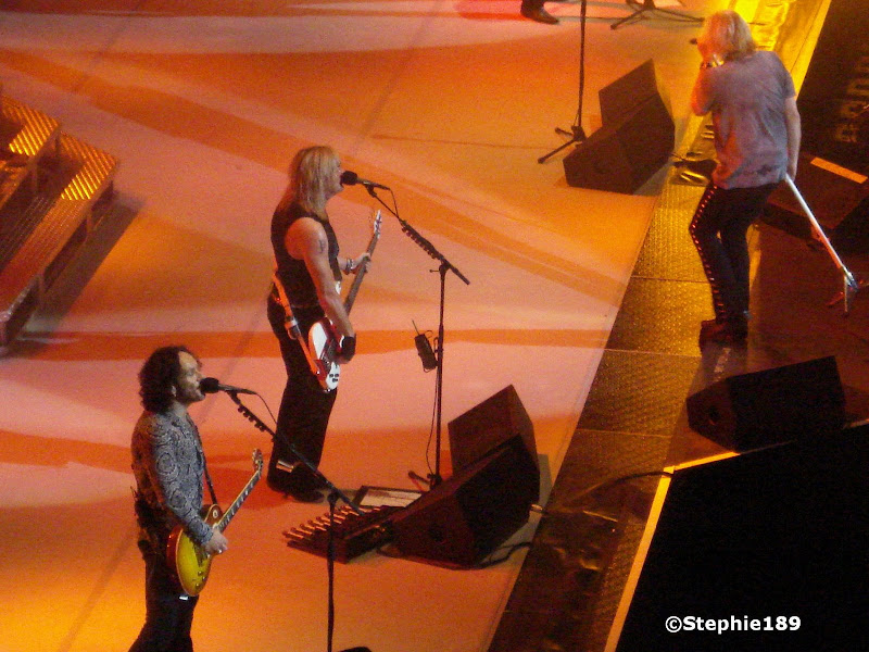 Viv, Sav, & Joe - Def Leppard - 2007