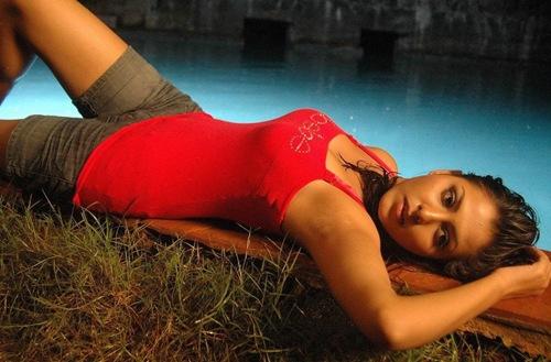 Madhu_shalini_Kollywood_hot_actress_5
