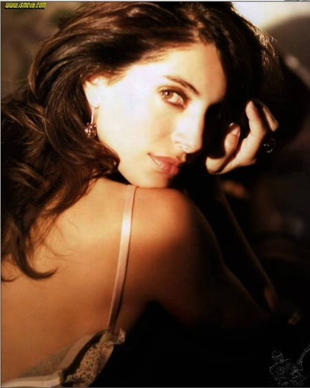 Caterina Murino latest hot photos 10
