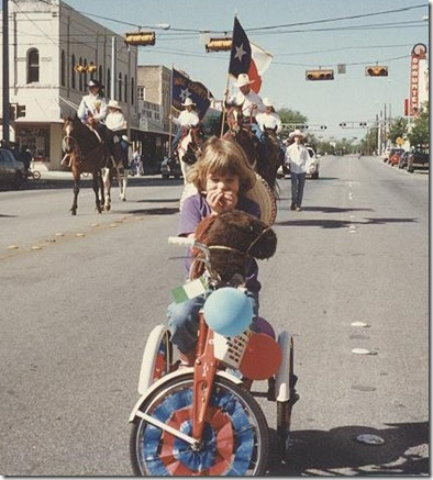 kara trike parade with horses