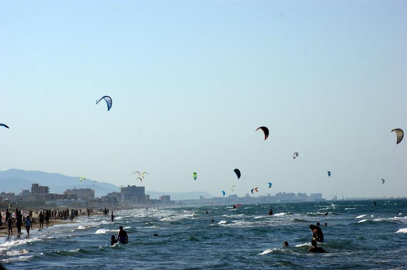 Na praia de Oliva, kite surf