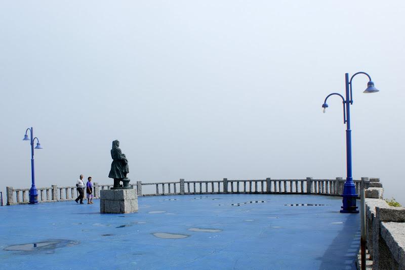 Monumento à mulher que espera o marinheiro