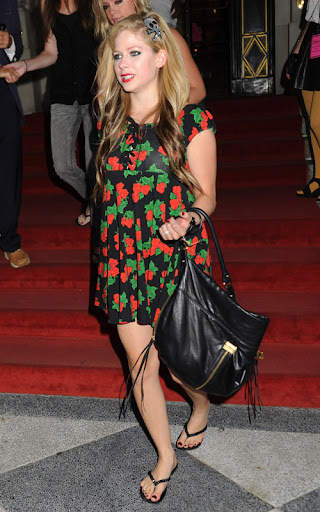Betsey Johnson fashion show at The Plaza Hotel in NYC.&#xD;&lt;P>&#xD;Pictured: Avril Lavigne&#xD;&lt;P>&#xD;&lt;B>Ref: SPL126550  150909  &lt;/B>&lt;BR/>&#xD;Picture by: Demis Maryannakis / Splash News&lt;BR/>&#xD;&lt;/P>&lt;P>&#xD;&lt;B>Splash News and Pictures&lt;/B>&lt;BR/>&#xD;Los Angeles:&#x9;310-821-2666&lt;BR/>&#xD;New York:&#x9;212-619-2666&lt;BR/>&#xD;London:&#x9;870-934-2666&lt;BR/>&#xD;photodesk@splashnews.com&lt;BR/>&#xD;&lt;/P>&#8221; width=&#8221;320&#8243; height=&#8221;512&#8243; class=&#8221;pie-img&#8221;/></p> </div> <div class=