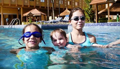 pool1web