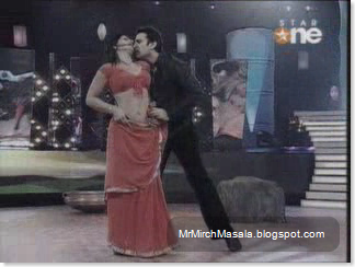 Archana Puran Singh's Sexy Performance in a Red Saree on Nach Baliye - Hot Captures...