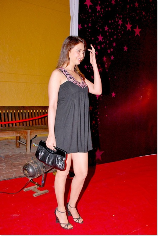 Preeti Jhangiani Looking Really HOT in a Short Dress...