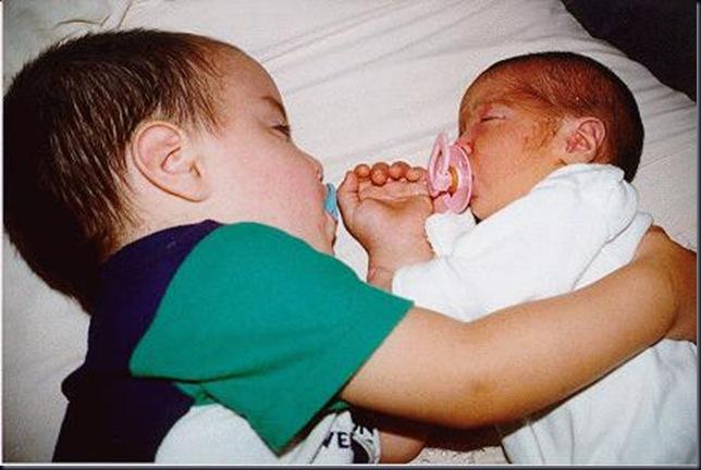 Durmiendo los dos juntitos (closeup)