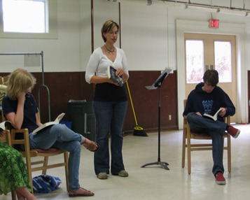 Sarah Hoggatt speaks to the 2010 Quaker Youth Pilgrimage
