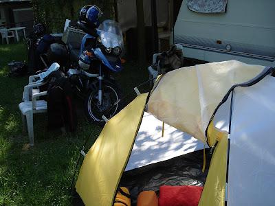 das motorradreiseforum thema anzeigen gr sseres zelt. Black Bedroom Furniture Sets. Home Design Ideas