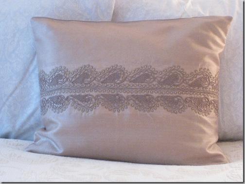 pillows 3-3 008