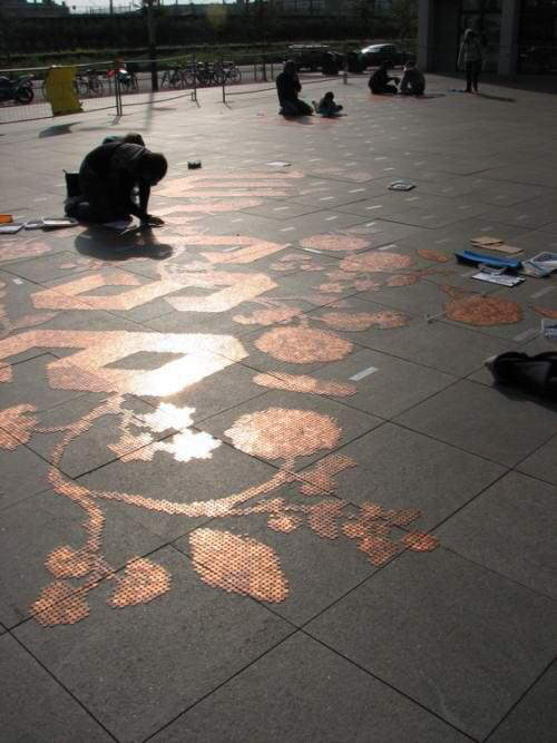 Have you ever seen 300,000 Euro coins on the ground