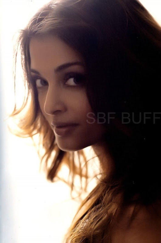 A for Aish: Aishwarya Rai - hot and smoking in these new photos for Vogue Glamor issue