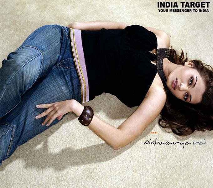 Aishwarya Rai Again!!! Set of 14 Photos