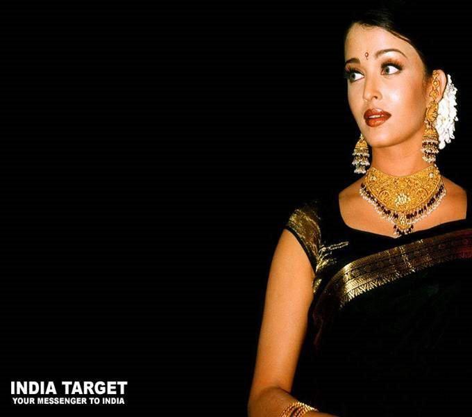 Aishwarya Rai Again!!! Set of 14 Photos
