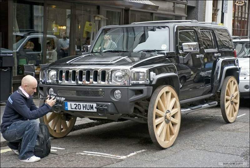 Hummer H3 on Cart Wheels in London!!