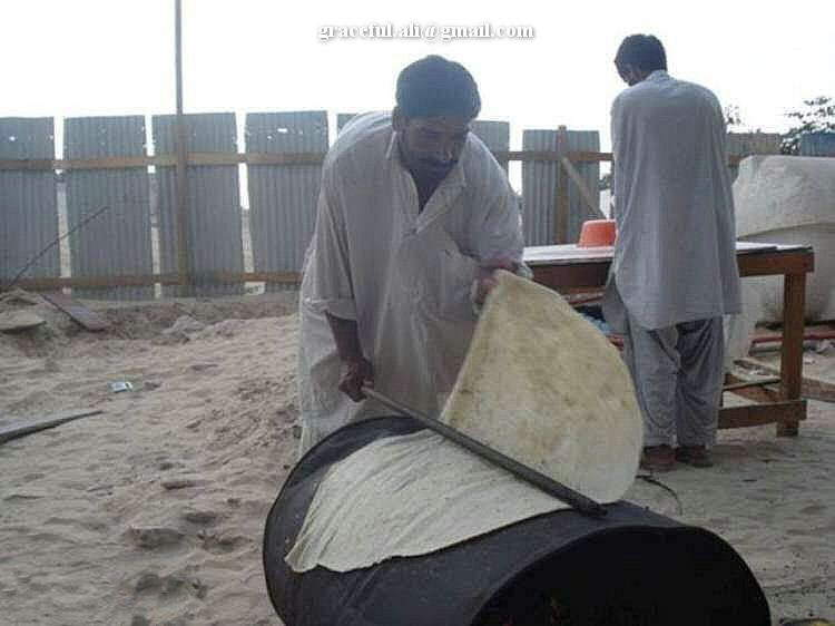 Big Roti: Making a huge Roomali Roti over a metal drum!!!