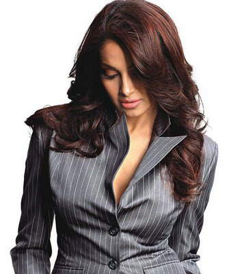 Bips, New Looks: Bipasha Basu looking Hot in Shirts and Suit!