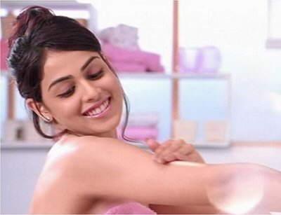 Genelia is looking soooo cute in this Ad Shoot