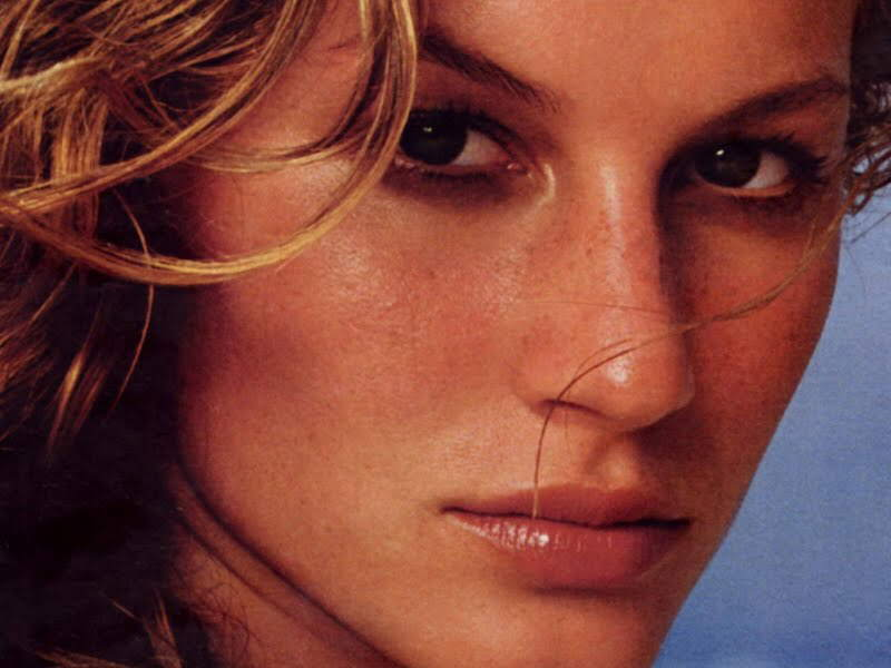 Gisele Bundchen Wallpapers: 10 Images