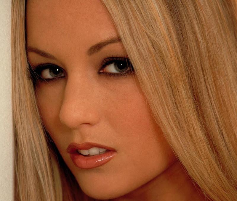 Beauty in Her Face, Beauty in Her Eyes