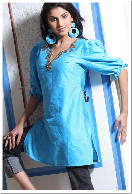 Stylish kurti with capri