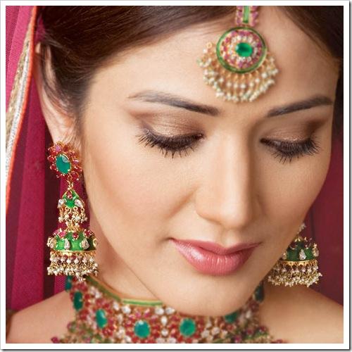 Size:260x300 - 91k: indian bridal makeup