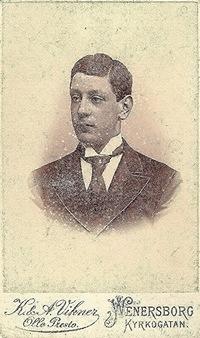 Vikner Photo front