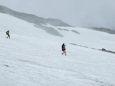 10-Schneefelder beim Abstieg