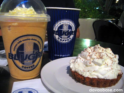 Must haves at BluGre: White Mocha Larcepuccino, Cafe Mocha, and Banana Cream Pie