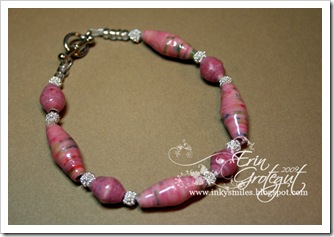 FinishedBraceletPink4Web