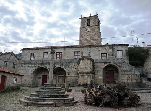 Castelo Novo - pelourinho - casa da camara - chafariz das 3 bicas ou de D.João V