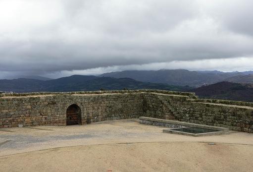 Belmonte - castelo - muralha