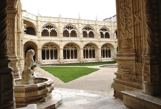 mosteiro dos Jeronimos -  claustro - fonte 2