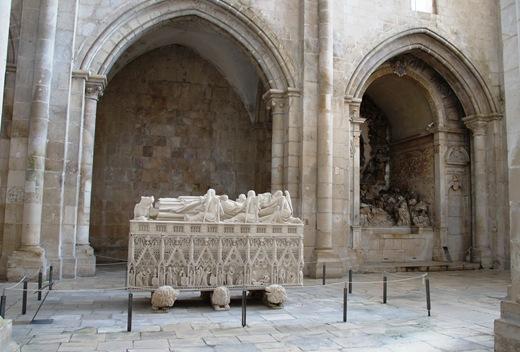 Mosteiro de Alcobaça - Túmulo de D. Pedro I