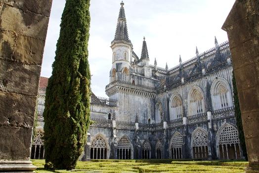 Batalha - Mosteiro de Santa Maria da Vitória - claustro de D. João I 10