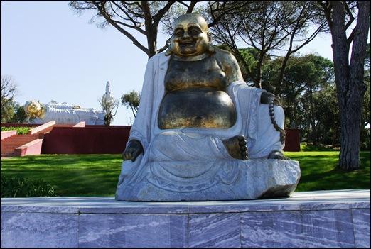 Buddha Eden - buddha dourado 2